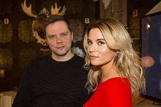 Pete Lattu esittää Kalle Laitelaa, Tiia Elg on Salkkareissa Eva Tamminen.