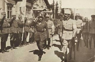 Kenraalit Rüdiger von der Goltz ja Mannerheim valkoisten joukkojen päämajassa Mikkelissä toukokuussa 1918.