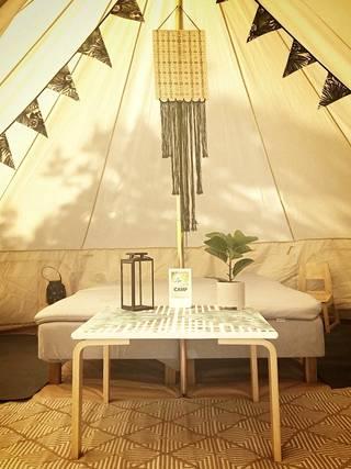 Tältä näyttää Jonna Heinosen glamping-teltassa.