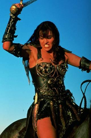 Soturiprinsessa Xena taisteli pahaa vastaan kumppaninsa Gabriellen kanssa.