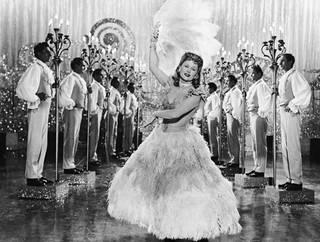 Näyttelijätär ja tanssijatar Marika Rökk esitti revyytähti Julia Kösteriä musikaalikomediassa Die Frau meiner Träume (Unelmieni tyttö). Elokuva ilmestyi vuonna 1944.