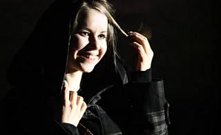 Heljä Heikkinen on tehnyt ääninäyttelijän töitä jo 20 vuoden ajan. Nyt hänet kuullaan Niiskuneitinä.