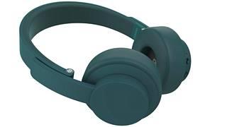 Kestävä rakenne ja kokoontaittuvat kupit tekevät kuulokeista oivan matkakaverin.