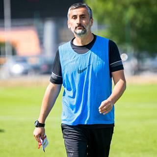 Interin päävalmentaja José Riveiro (kuvassa) on saanut Interin pelin kulkemaan. Ero sarjakärki HJK:hon on kuitenkin yhdeksän pistettä. Hyökkääjä Källman luottaa Interin mahdollisuksiin taistella mestaruudesta: – Kunhan HJK ei voita jokaista peliä, niin uskon, että voimme kiriä eron.