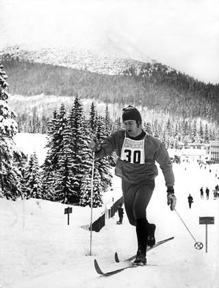 Ulrich Wehling hiihtämässä Tshekkoslovakiassa Tatra-vuoristossa 1972.