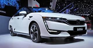 Honda Clarityn toimintamatka täydellä tankilla on 620 kilometriä.
