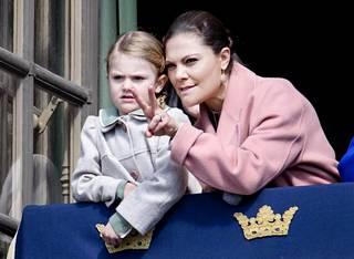 Victoria selitti Estellelle parvekkeelta avautuvia näkymiä.