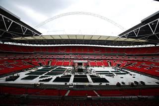 Wembley-stadionilla nähdään lauantai-iltana yksi viime vuosien odotetuimmista nyrkkeilykohtaamisista.