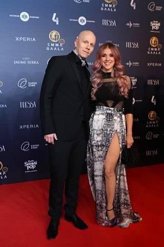 Jannika on naimisissa Apulannan keulahahmo Toni Wirtasen kanssa. Parilla on yksi lapsi.