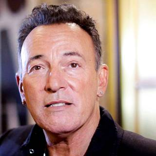 Bruce Springsteen on myynyt maailmanlaajuisesti yli 120 miljoonaa levyä.