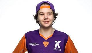"""Elias """"Jamppi"""" Olkkonen pelaa SuperJymyn joukkueessa."""