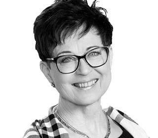 Huoneistokeskuksen Kirsti Vilhusen mukaan suosituimpien myyntikohteiden näyttöpäivät venyvät pitkiksi koronarajoitusten takia.