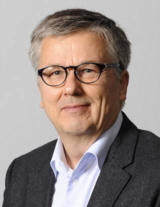 Emeritusprofessori Ari Salminen, Vaasan yliopisto.