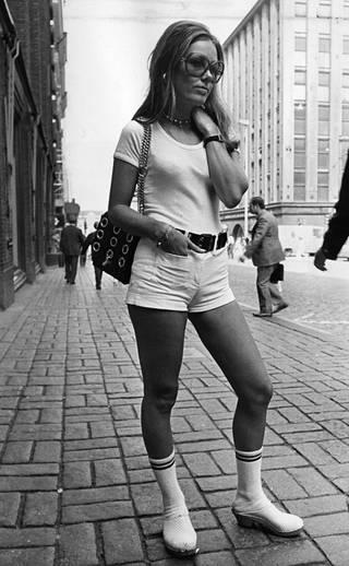 Katumuotia vuonna 1971, kuvassa Titta Eskola.