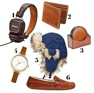 1. Major II -kuulokkeilla musiikkia voi kuunnella laadukkaasti ja tyylikkäästi, 79,90 €, Marshall. 2. Taikauskoiset sujauttavat nahkalompakkoon euron ennen paketointia hyvää onnea tuottamaan, 79 €, Fjällräven. 3. Nahkaiset lasinaluset sopivat tummaan sisustukseen, 56 €, Balmuir. 4. Rannekello perinteitä arvostavalle, 85 €, Karen Miller. 5. Korvaläpät suojaavat viimassa viihtyvää, 69 €, Fjällräven. 6. Ajattomat tossut koti-iltoihin, 94,90 €, Ecco.