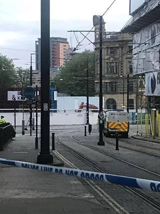 Poliisi eristi alueen tapahtumapaikan lähellä.