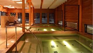 Kubija hotelli- ja luonnonkylpylä sijaitsee keskellä etelävirolaista mäntymetsää.