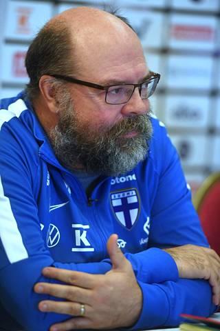 Timo Walden kuvattuna Huuhkajien tiedotustilaisuudessa elokuun lopussa.