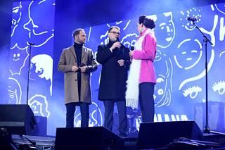 Juontajat Lorenz ja Nina Backman haastattelivat buuauskonsertin kohteeksi joutunutta pääministeriä.