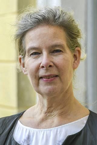 Ylilääkäri Hanna Nohynekin mielestä Pfizerin ilmoituksessa on mukana paljon liiketaloudellista ajattelua.