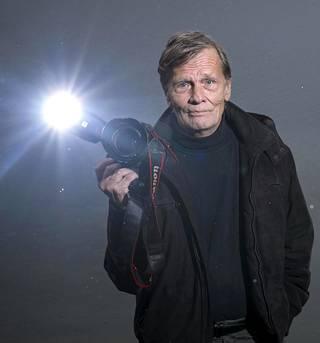 Valokuvaaja Peter Jansson kuvasi Estonian pelastustöitä 25 vuotta sitten.
