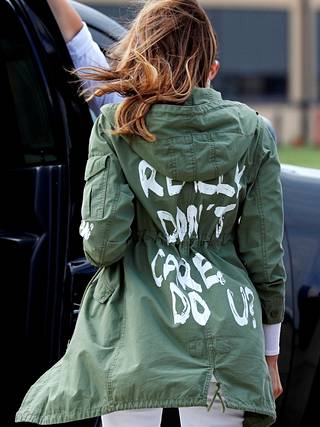 Melania Trumpin takin teksti kohautti 2018.