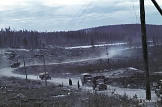 Sallan-Kantalahden maantie ja rata Hanhijärven - Voittojoen (Voitajoki) välillä. Lokakuussa 1941. Matti Aitto-oja osallistui syyskuussa Voittojoen taisteluun.