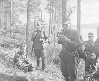 Suomalaisosastoa takaa-ajossa johti Mannerheim-ristin ritari Olavi Alakulppi. Kuva on Alakulpin toiselta partioretkeltä. Seitajärven takaa-ajotilanteesta ei ole kuvia.