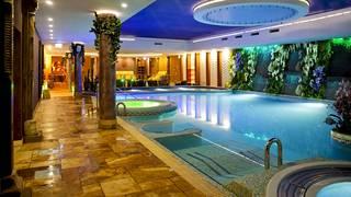 Tallinn Viimsi Spa Hotelli & Vesipuisto sijaitsee vain kymmenen kilometrin päässä Tallinnan keskustasta.