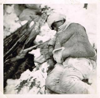 Sulo Uitto haavoittui Petrovski Jamissa, mutta palasi hiihtäen kotiin.
