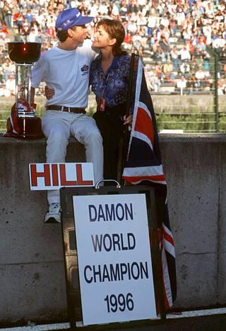 Damon Hill voitti ensimmäisenä F1-mestarin poikana MM-tittelin 1996.