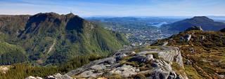 Nainen löytyi Ulriken-vuoren kivikkoisesta maastosta.