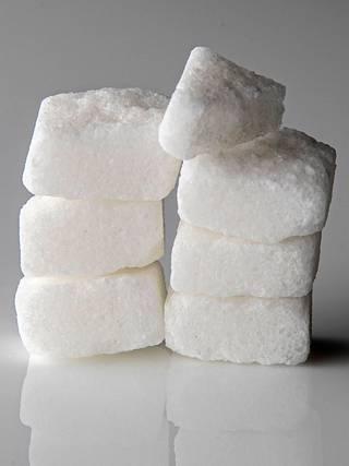 Sotavuosina sokerikin oli kortilla.