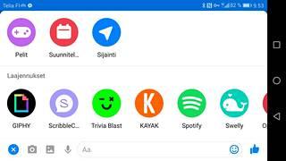 Pieni plus-merkki Messenger-sovelluksen alakulmassa avaa laajennusvalikon.