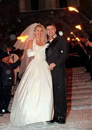 Ressu Redfordin ja Nina Björkfeltin häitä juhlittiin vuonna 1997.