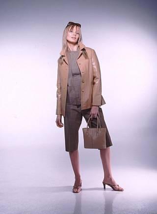 Muotikuva vuodelta 2002, kuvassa Maria Taipale.