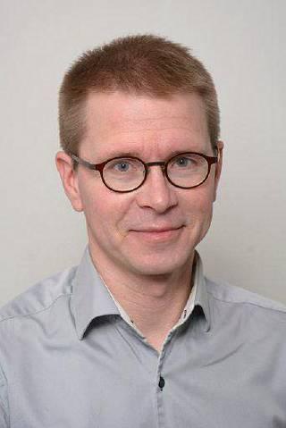 Pessimismin ja sepelvaltimotaudin yhteydestä väittelevä Mikko Pänkäläinen.