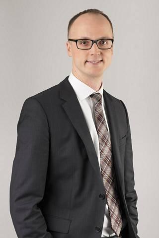 JLL:n tutkimusjohtaja Tero Lehtosen mukaan tällä hetkellä on paljon pääomaa, joka tuottovaatimusten takia päätyy yhä enemmän kiinteistöihin ja kiinteistörahastoihin
