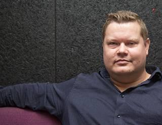 """Martin Jensenin dokumentti on voittanut useita palkintoja Tanskassa. Parhaillaan hän valmistelee dokumenttia länsimaissa syntyneistä muslimitytöistä, jotka lähetetään vanhempiensa entisiin kotimaihin """"oppimaan kunnon naisiksi""""."""