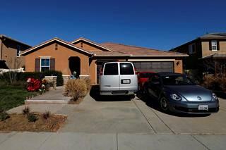 Perheen 13 lasta, joista seitsemän on ikänsä puolesta jo aikuisia, pidettiin vankina heidän kotonaan Kalifornian Perrisissä.