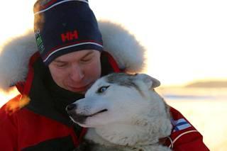 Juha Romppanen luottaa koiriinsa.