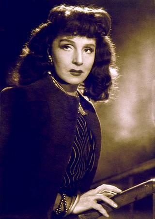 Näyttelijä ja lausuntataiteilija Ella Siviä Eronen 1940-luvulla.