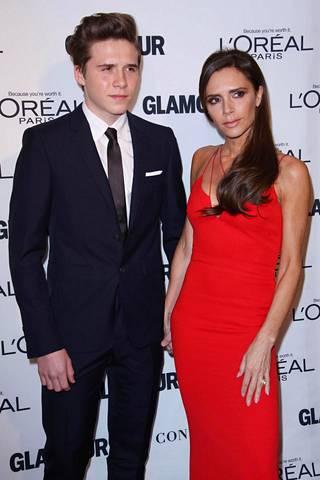Brooklyn ja Victoria Beckham edustivat yhdessä vuonna 2015.
