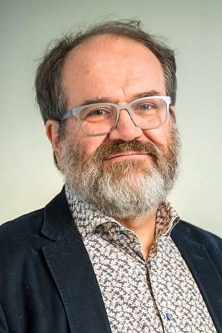 Psykiatrian professori Jyrki Korkeila.