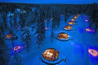 Listalla ensimmäisenä mainitaan Kakslauttasen iglu- ja hotellikylä.