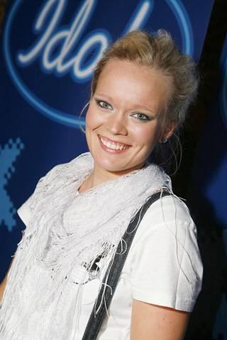 Anna Puustjärvi osallistui Idols-kilpailuun 2008.