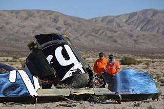 SpaceShipTwon maahansyöksyssä kuoli yksi avaruusaluksen lentäjistä. Toinen loukkaantui vakavasti.
