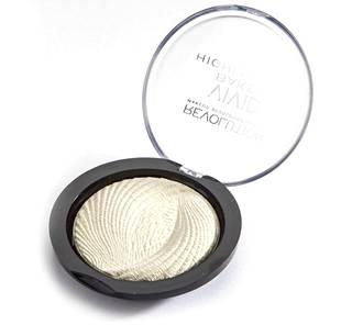 Makeup Revolutionin korostusväriä löytyy Khloén suosiman Golden Lights -sävyn lisäksi neljässä sävyssä. Suomalaisista kaupoista tuotetta ei vielä saa, mutta sitä voi tilata kotiin esimerkiksi Tambeautyn verkkokaupasta. Hinnaksi tulee postituskuluineen hieman päälle 10 euroa.