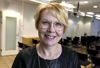 Valtioneuvoston kanslian viestintäjohtaja Päivi Anttikoski.