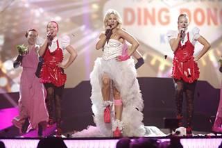 Krista Siegfrids edusti Suomea vuoden 2013 euroviisuissa Ruotsin Malmössä Marry Me -kappaleellaan. Valokuva Siegfridsin harjoituksista euroviisulavalla.